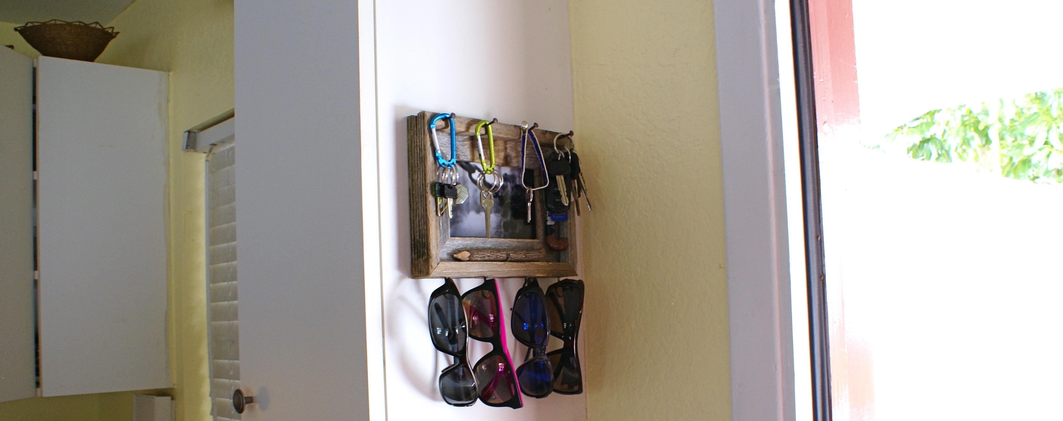 Rustic Key & Sunglasses Holder - Grab n' Go! - via The Thinking Closet