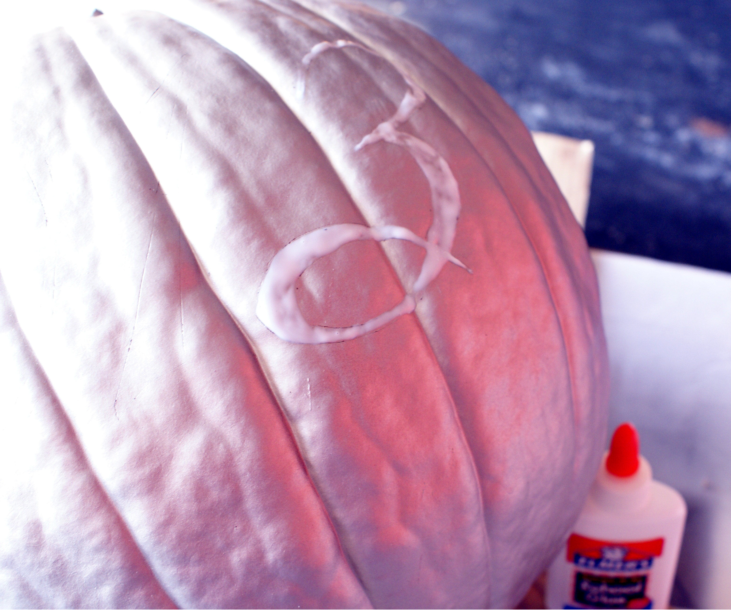 DIY Glitter House Number Pumpkin via The Thinking Closet